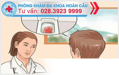 Đại tiện ra máu là dấu hiệu bệnh nứt kẽ hậu môn.